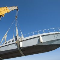 boat-crane-lake-erie